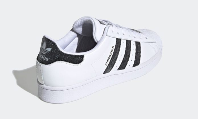 Adidas Supestar x Swarovski foto della sneakers in dettaglio e data di release