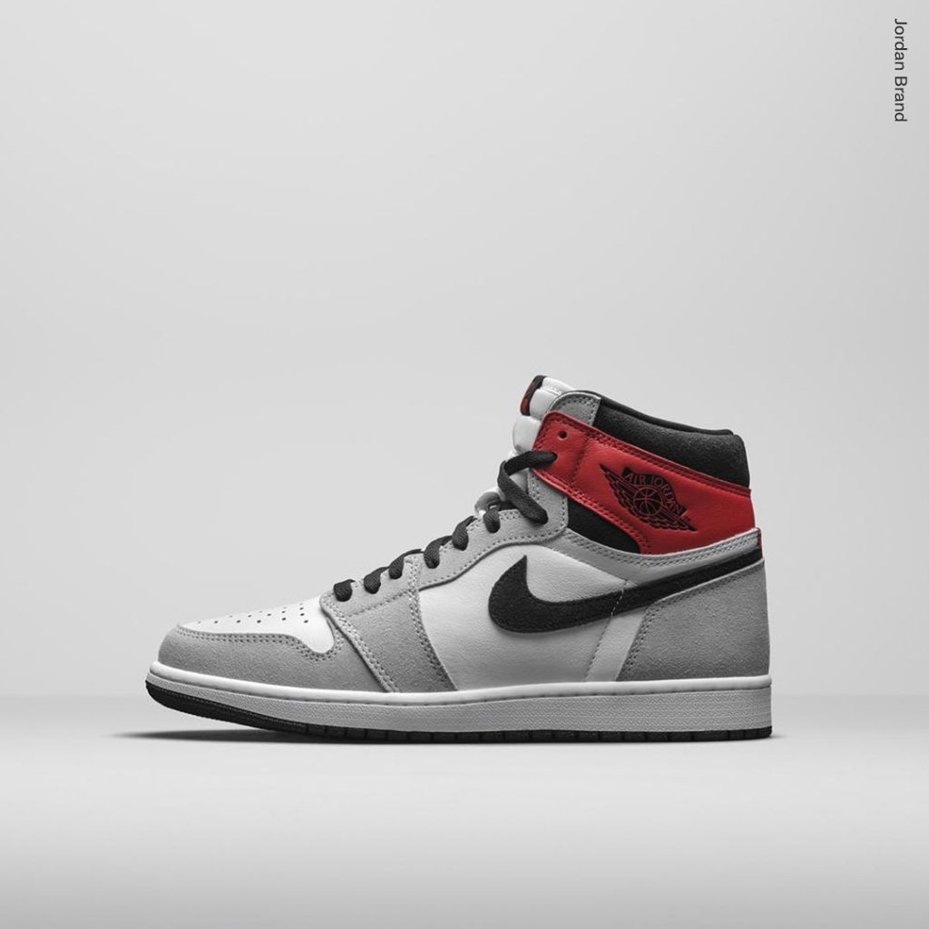 Air-Jordan-1-High-Light-Smoke-Grey-7