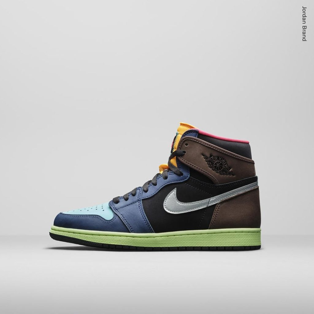 Air-Jordan-1-High-UNDEFEATED-Dunk-2
