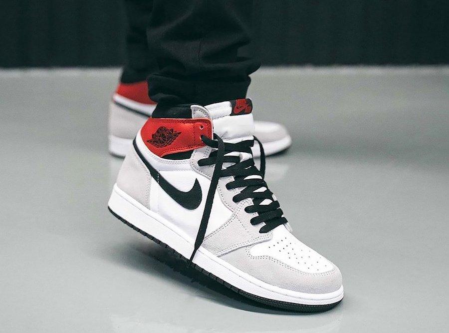 Air-Jordan-1-Light-Smoke-Grey-On-Feet