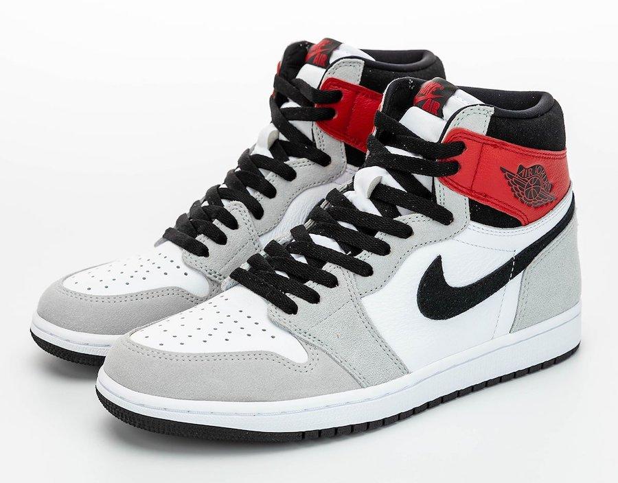 Air-Jordan-1-Light-Smoke-Grey-Paio