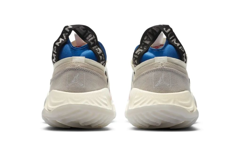 Jordan-Delta-Breathe-Tech-White-Paio-Back