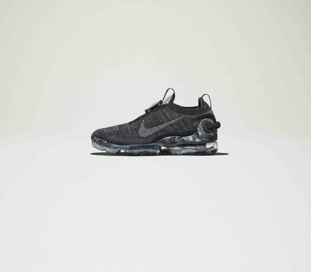 Nike_Sportswear_FA20_Air_VaporMax_Black_02_96279