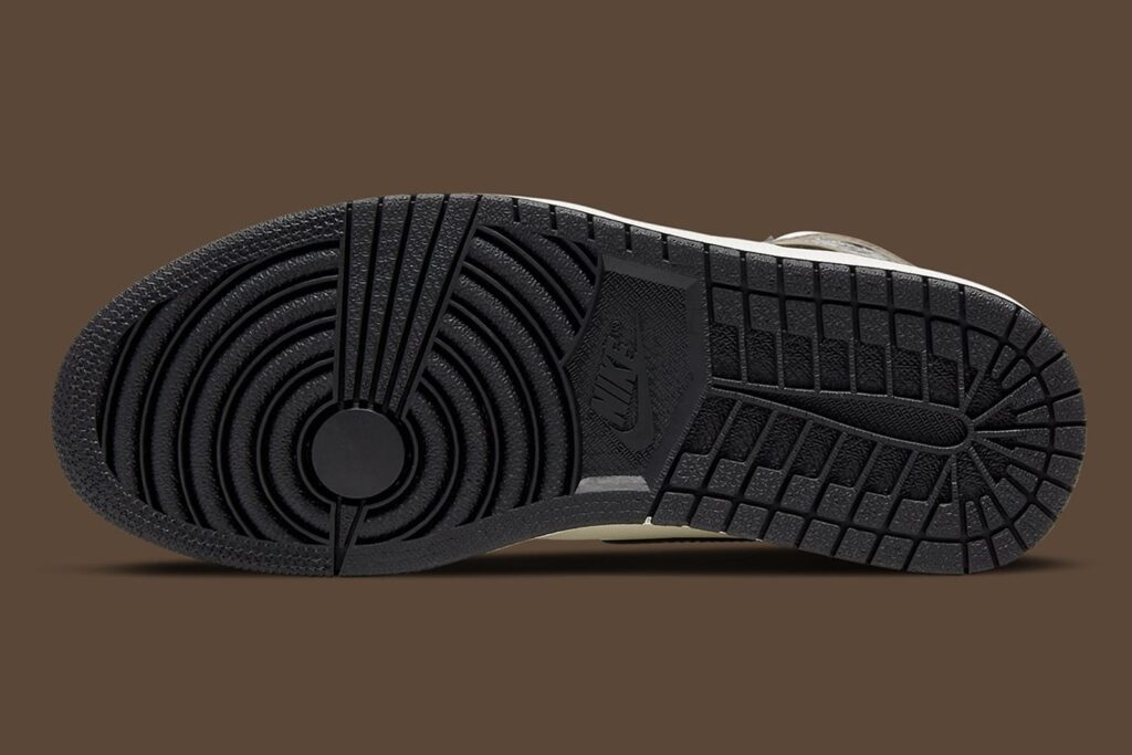 Nike-air-jordan-1-dark-mocha-Nike-SNKRS-data-di-release-31-Ottobre-2020-Suola