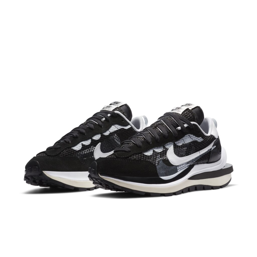 Sacai-x-Nike-VaporWaffle-Release-6-Ottobre-2020-Paio-Black