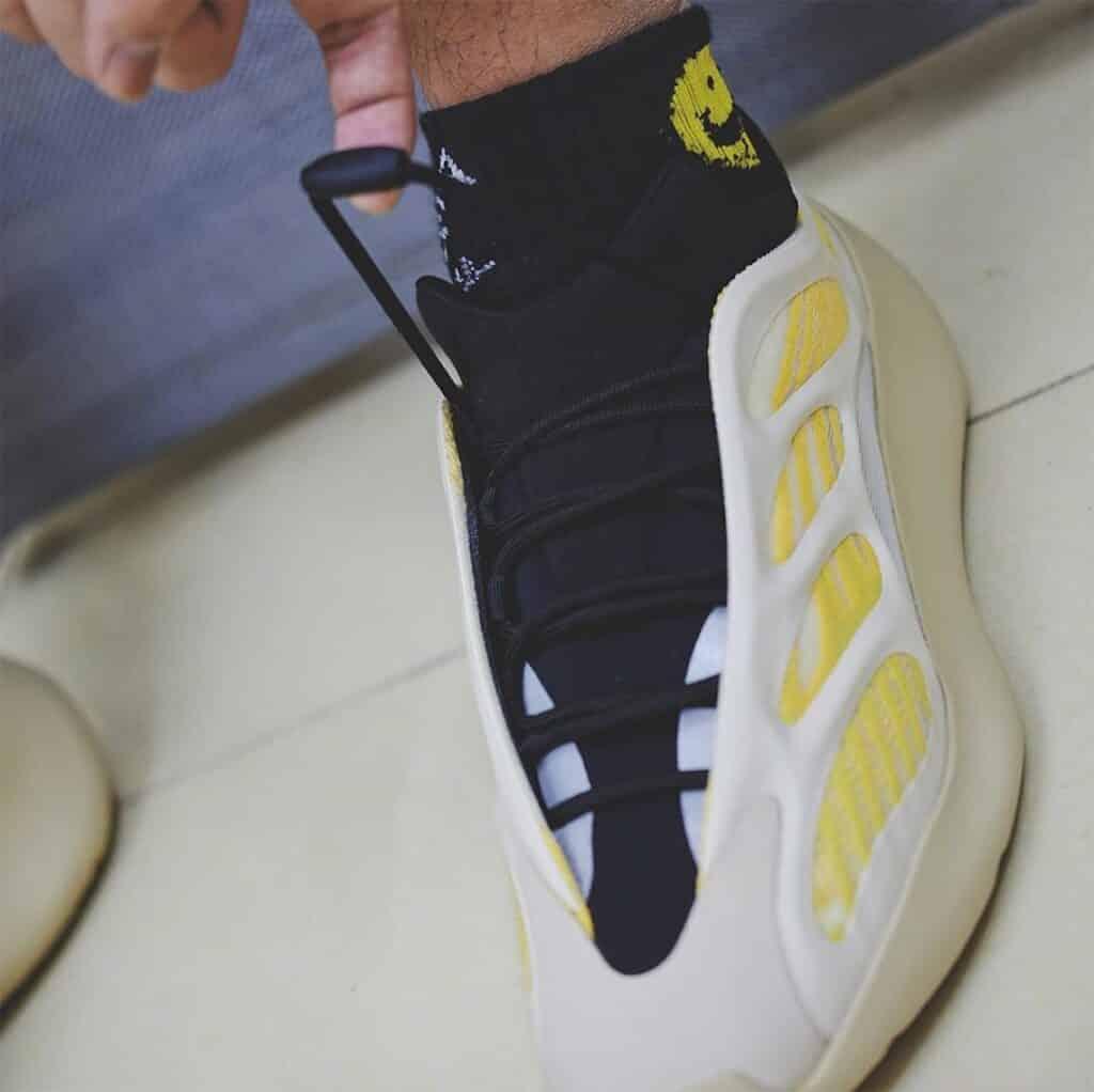 adidas-yeezy-700-v3-safflower
