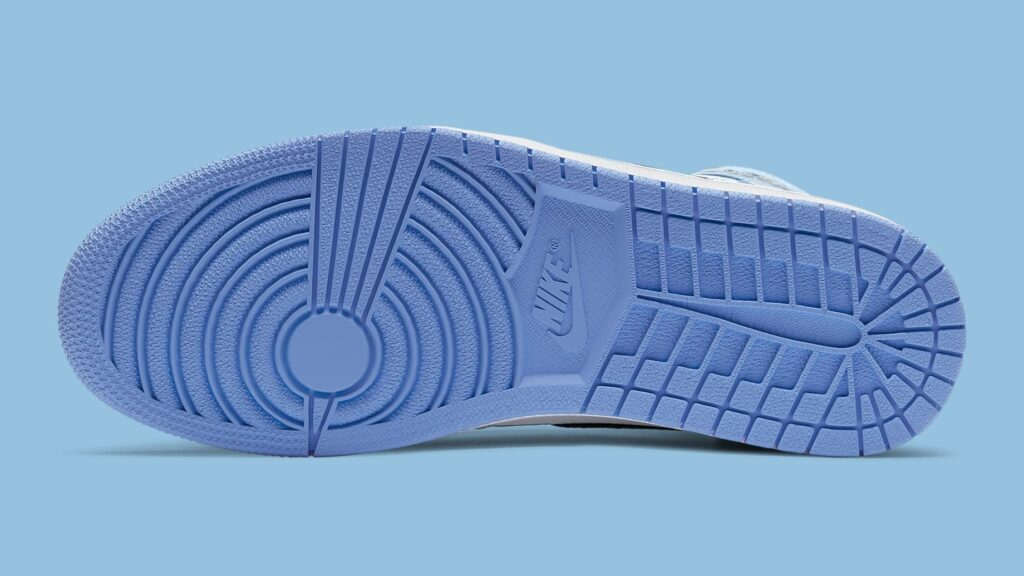 air-jordan-1-university-blue-release-date-555088-134-sole