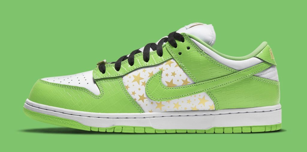 supreme-nike-sb-dunk-low-green-dh3228-101-lateral