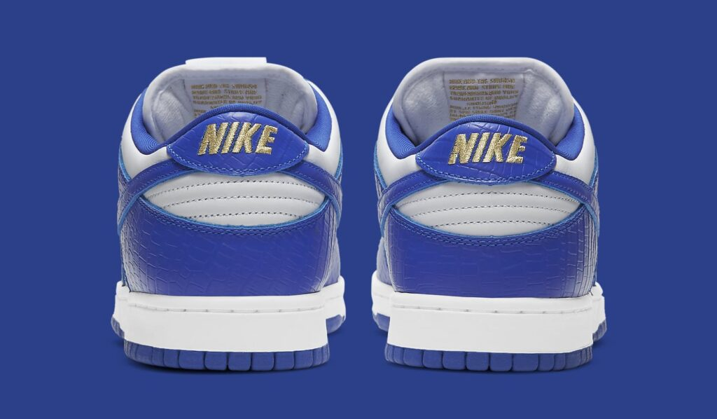 supreme-nike-sb-dunk-low-hyper-royal-dh3228-100-heel