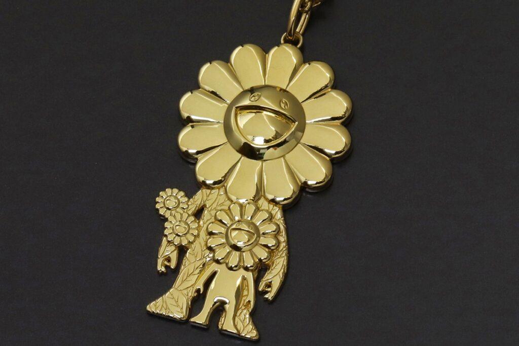Takashi-murakami-roppongi-hills-project-ivxlcdm-gold-necklace-002