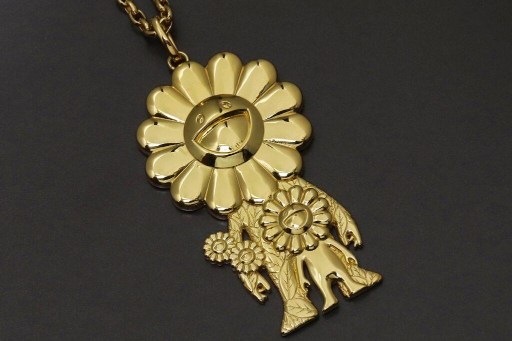 Takashi-murakami-roppongi-hills-project-ivxlcdm-gold-necklace-003