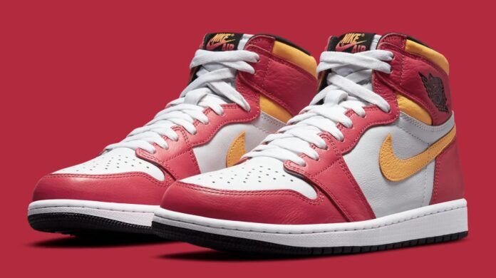 air-jordan-1-light-fusion-red-release-date-555088-603-heel-Pair