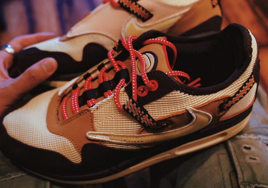Travis-Scott-Nike-Air-Max-1-Baroque-Brown-4